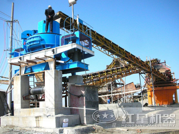时产70吨-150吨鹅卵石制砂机工作现场