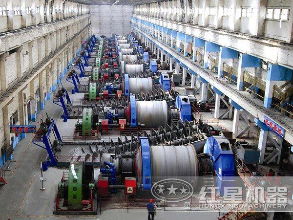 山西金矿浮选设备生产线现场:球磨机部分
