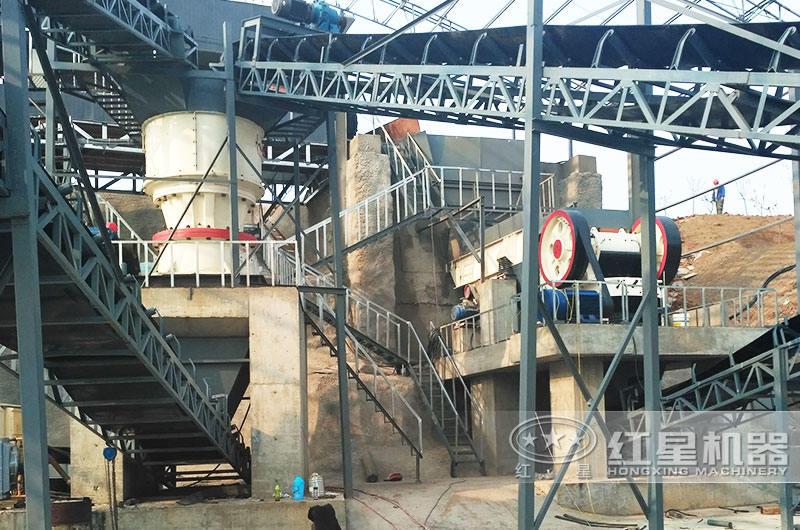 配鄂破机+圆锥破的日产6万吨石子破碎生产线现场1