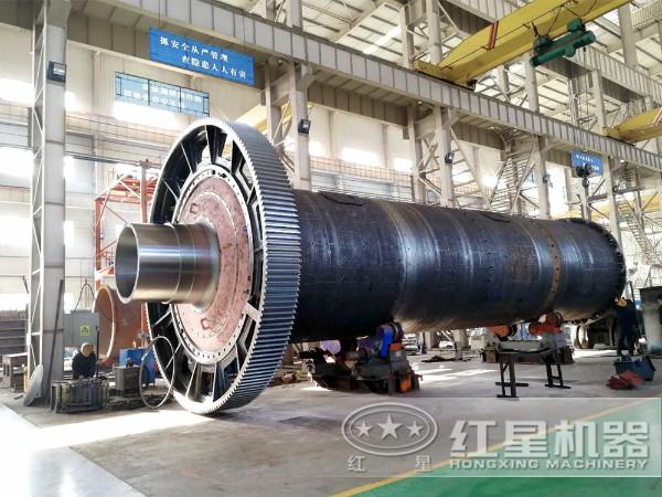 日产200吨金矿球磨机内部结构