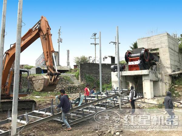 建筑垃圾颚式破碎机工作现场