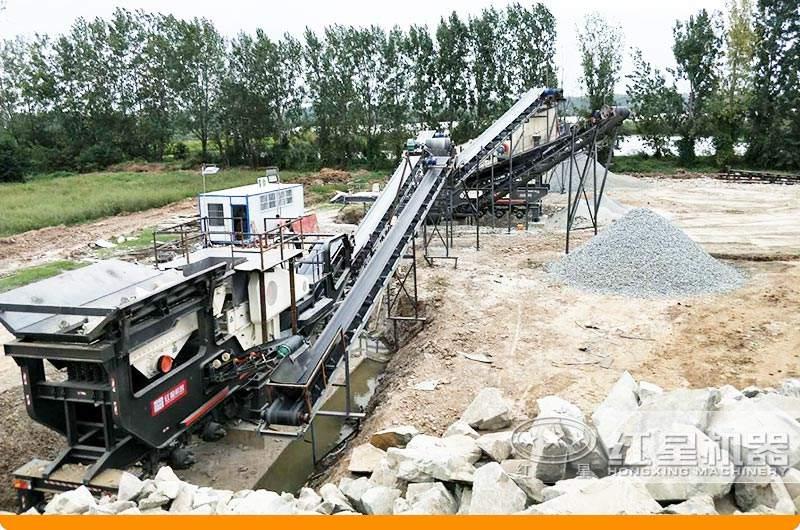 可移动石子打砂机环保工作现场