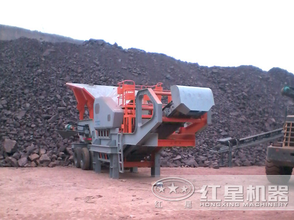 时产200吨废钢渣移动破碎生产线:单台设备作业