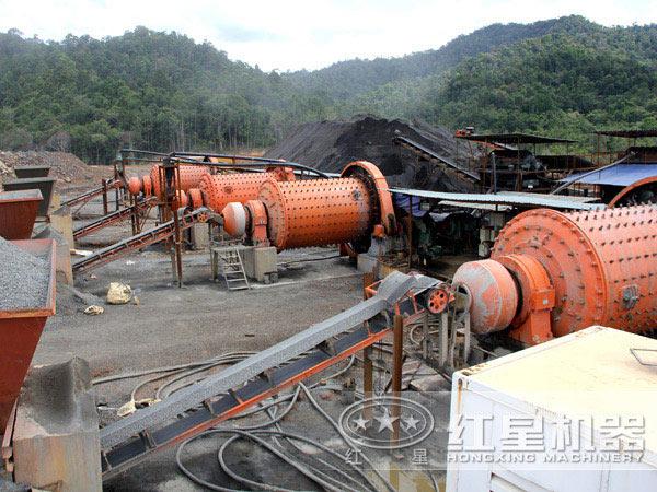钢球磨煤机工作现场
