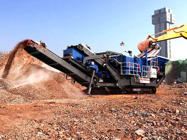 时产200吨可移动履带式碎石机价格实惠,开到砂厂赚大钱