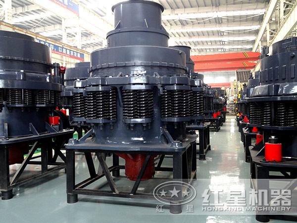 时产量80-200吨的PYD2200圆锥破碎机
