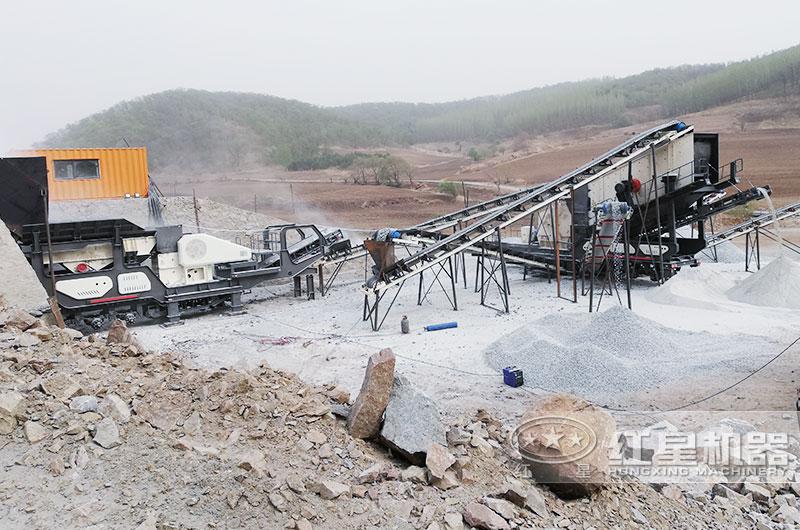山东某时产5-10立方可移动青石破碎生产线现场2