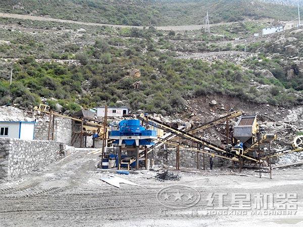 环保石榴石制砂工作现场