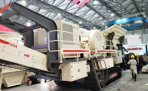 时产180-200吨的履带式移动破碎生产线