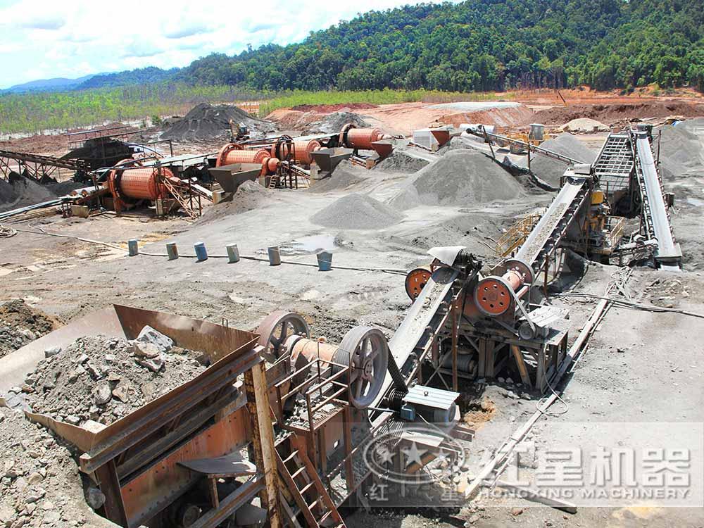 黑锰矿球磨机作业现场:更环保节能