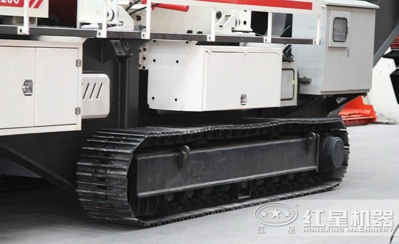 小型履带石头破碎机:履带液压驱动,砂厂畅通无阻
