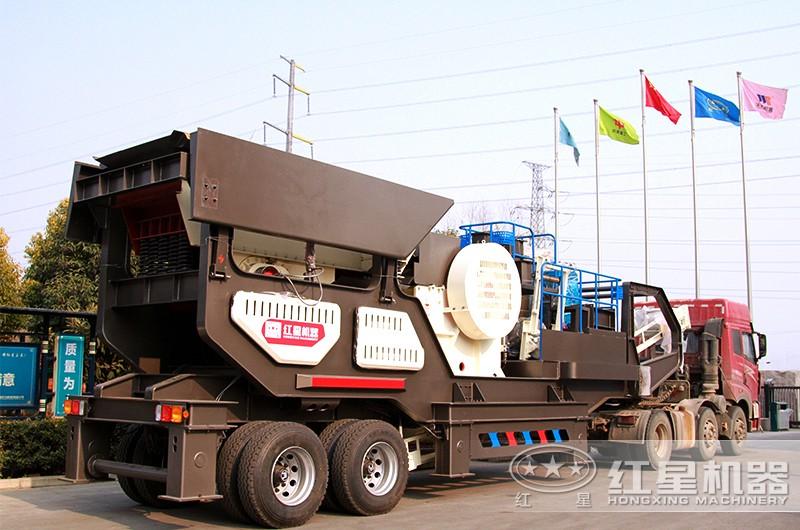 时产200吨小型移动破碎车,配颚破机,发往湖北市场