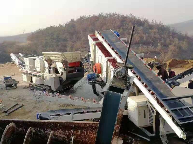 移动履带式建筑垃圾处理生产线现场