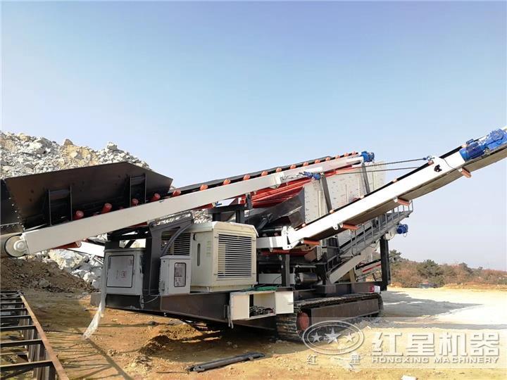 p190307161626638-701821.jpg时产280吨履带移动建筑垃圾处理生产线现场:履带振动筛