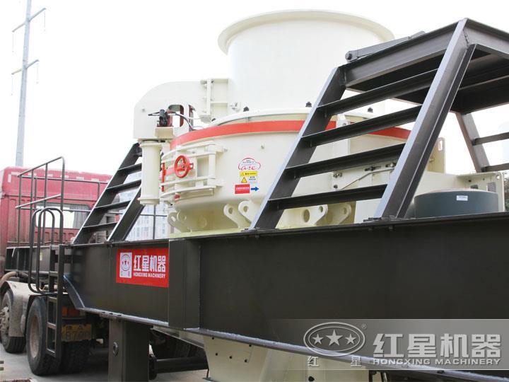 HVI冲击式移动破碎站,产量70-585t/h,稀油自润滑