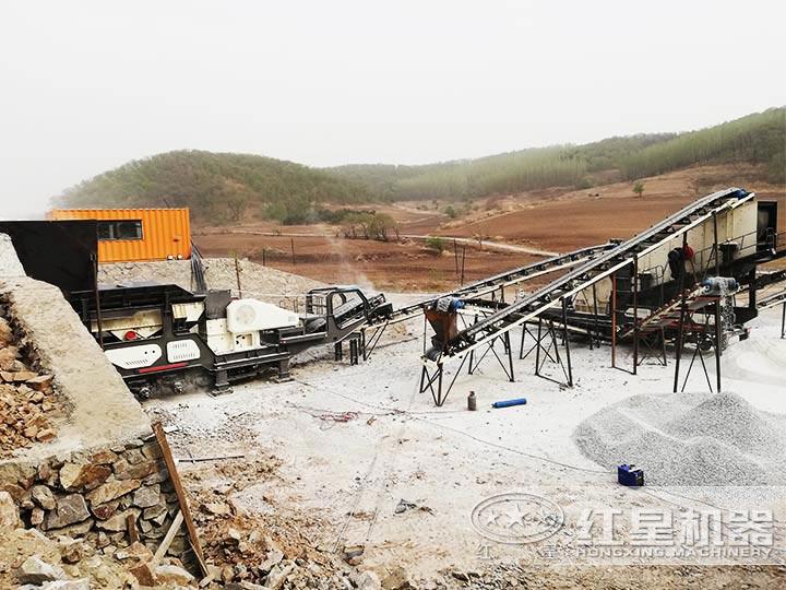 时产200吨河卵石移动破碎生产线现场