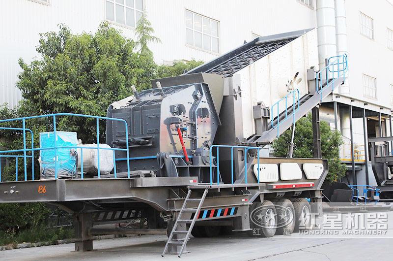时产200吨移动磕石机:配反击破