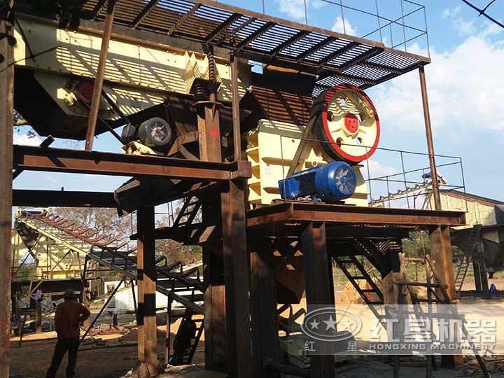 时产600吨石头破碎生产线现场1