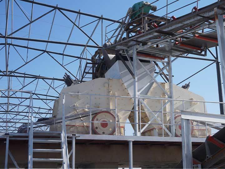 时产500吨石灰石制砂生产线:反击式破碎机