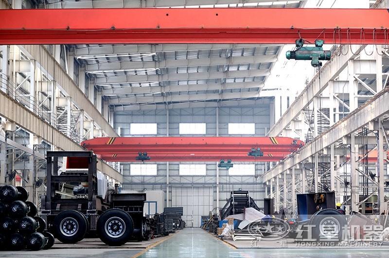 可移动混凝土粉碎机生产车间,实力雄厚,值得信赖