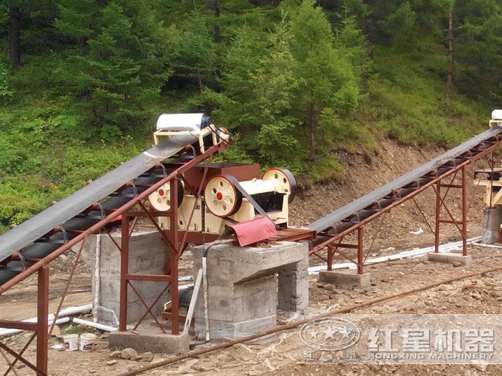 时产80吨石灰石生产线安装现场,调整进出料粒度