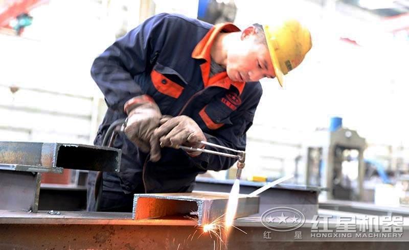匠心做工,每一道石子移动破碎生产线都严谨以待
