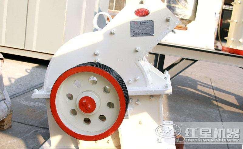 多种型号锤式破碎机,不同产量,可满足用户不同需求