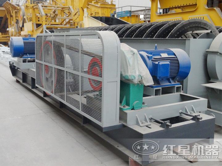 对辊式破碎机电机功率45*2KW,处理能力20-40t/h