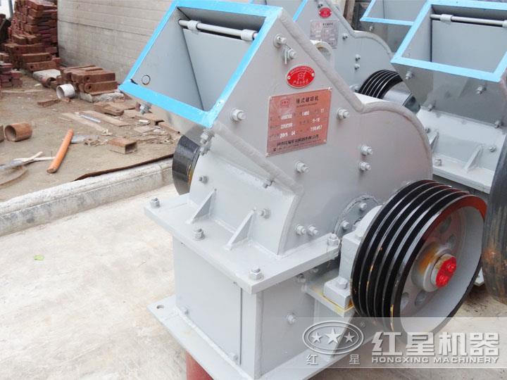 锤式破碎机,电机功率6P 55KW,时产18-40吨