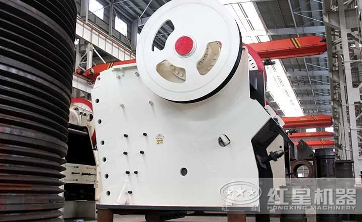 PE颚式破碎机产量1-2200t/h,排料口10-350mm