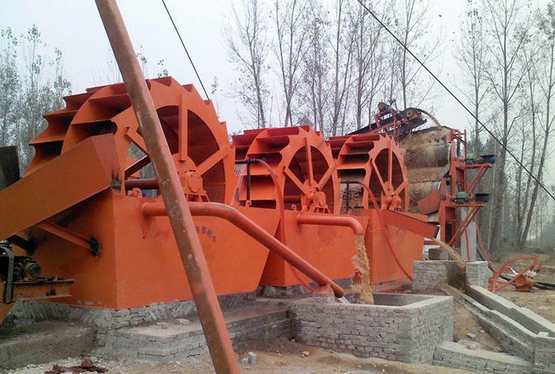 河南郑州时产200吨石粉沙洗砂工作现场