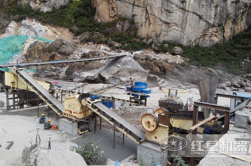 山东烟台时产300-400吨青石破碎、制砂生产线