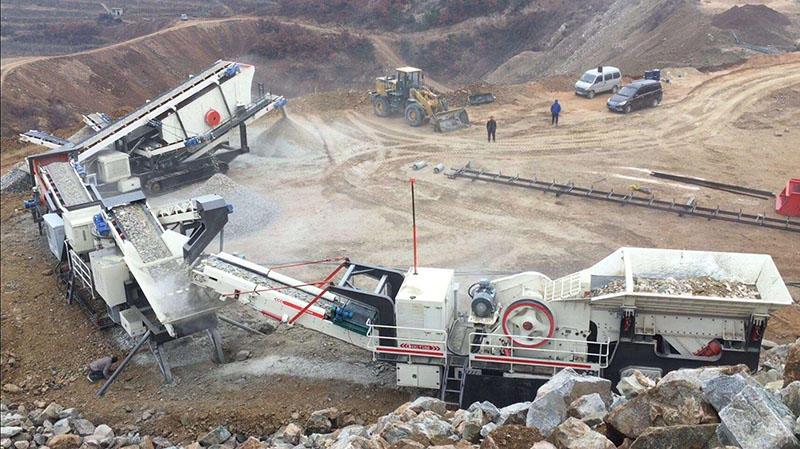 时产200吨履带移动石子破碎生产线