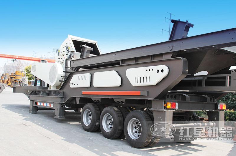 大型移动粉煤机随地移动,转场方便