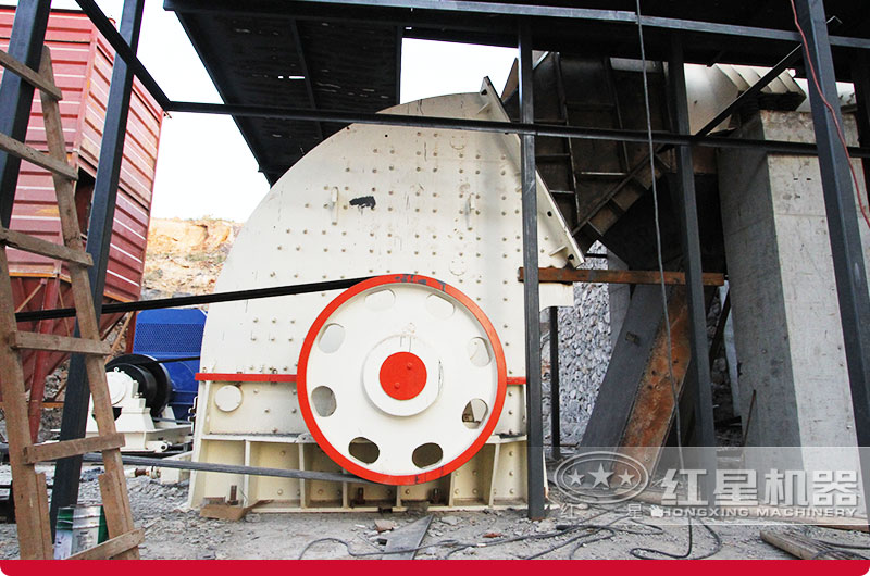 广西重锤式破碎机石子生产现场