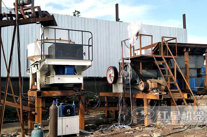 时产200吨固定破碎生产线作业现场