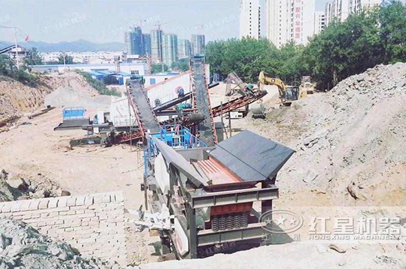 辽宁阜新时产200吨混凝土移动破碎生产线