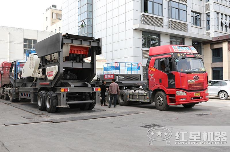 流动式石子粉碎机设备陆续发货中