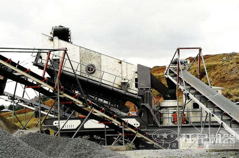 时产300吨移动柴油机小型制砂机生产现场