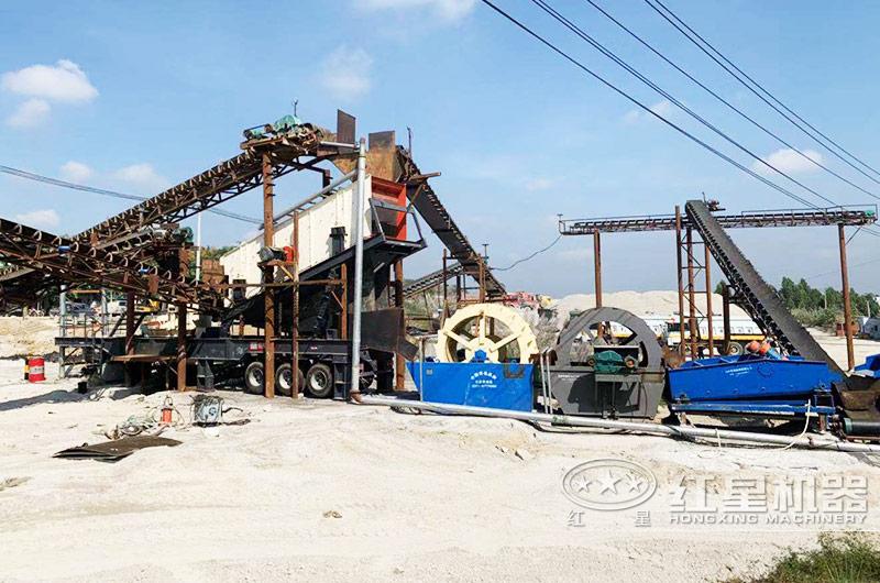 移动柴油机小型制砂机+洗砂生产现场