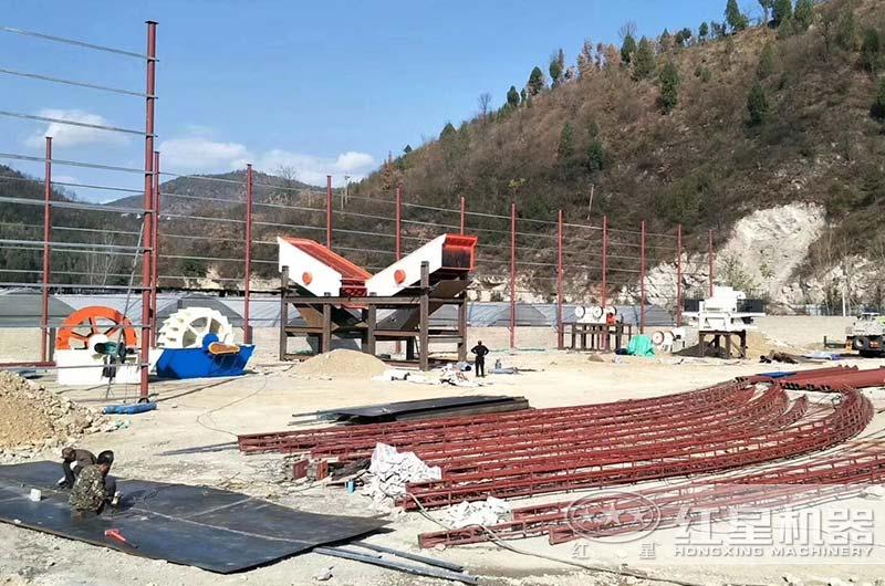 河南客户小型制砂厂正在建设中