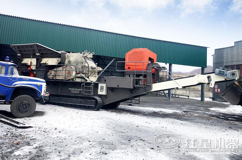 移动式煤炭破碎机图片,俄罗斯客户现场