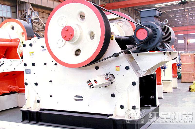 图1:颚式粉碎机