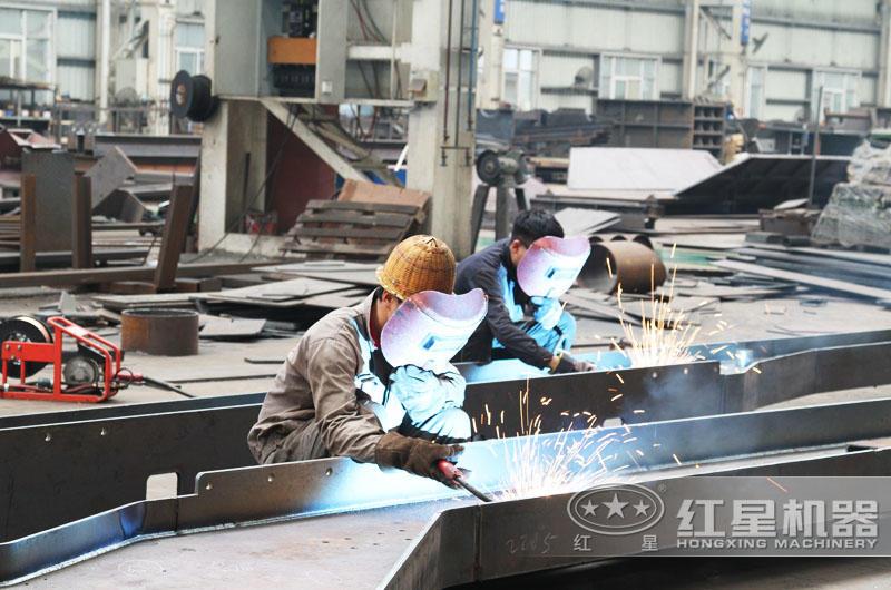 小型辊式粉碎机专业厂家,红星值得信赖
