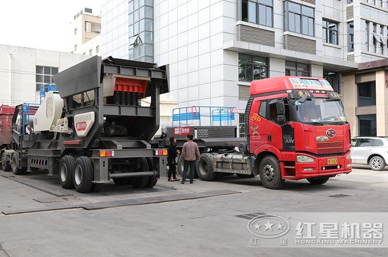 两台建筑垃圾破碎机陆续发货中
