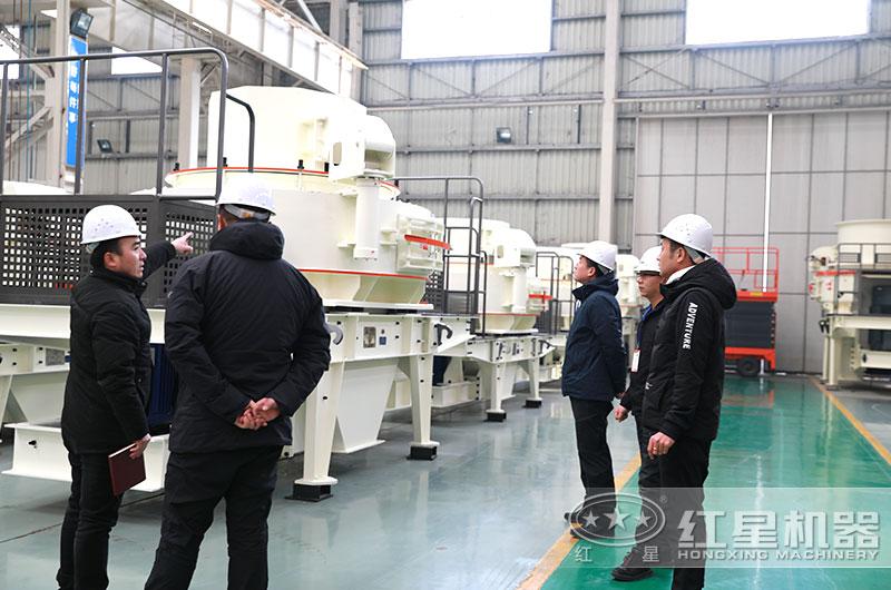 山东用户来厂考察选购人工造沙设备