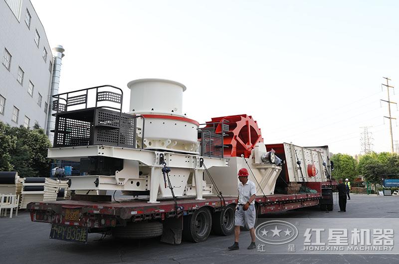 时产300吨石头加工成建筑用沙设备发货