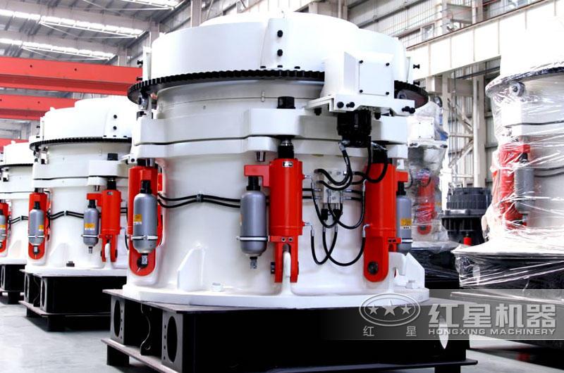 HP900多缸液压圆锥破碎机,成品呈立方体状,能耗低