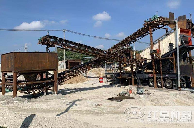 海南客户时产200吨移动制砂机现场