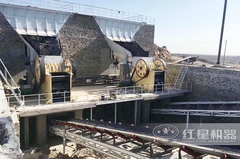 鄂破大型矿石粉碎机